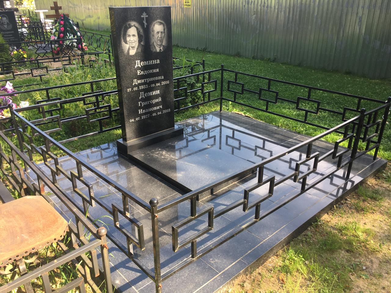 Услуги по укладке плитки на месте захоронения